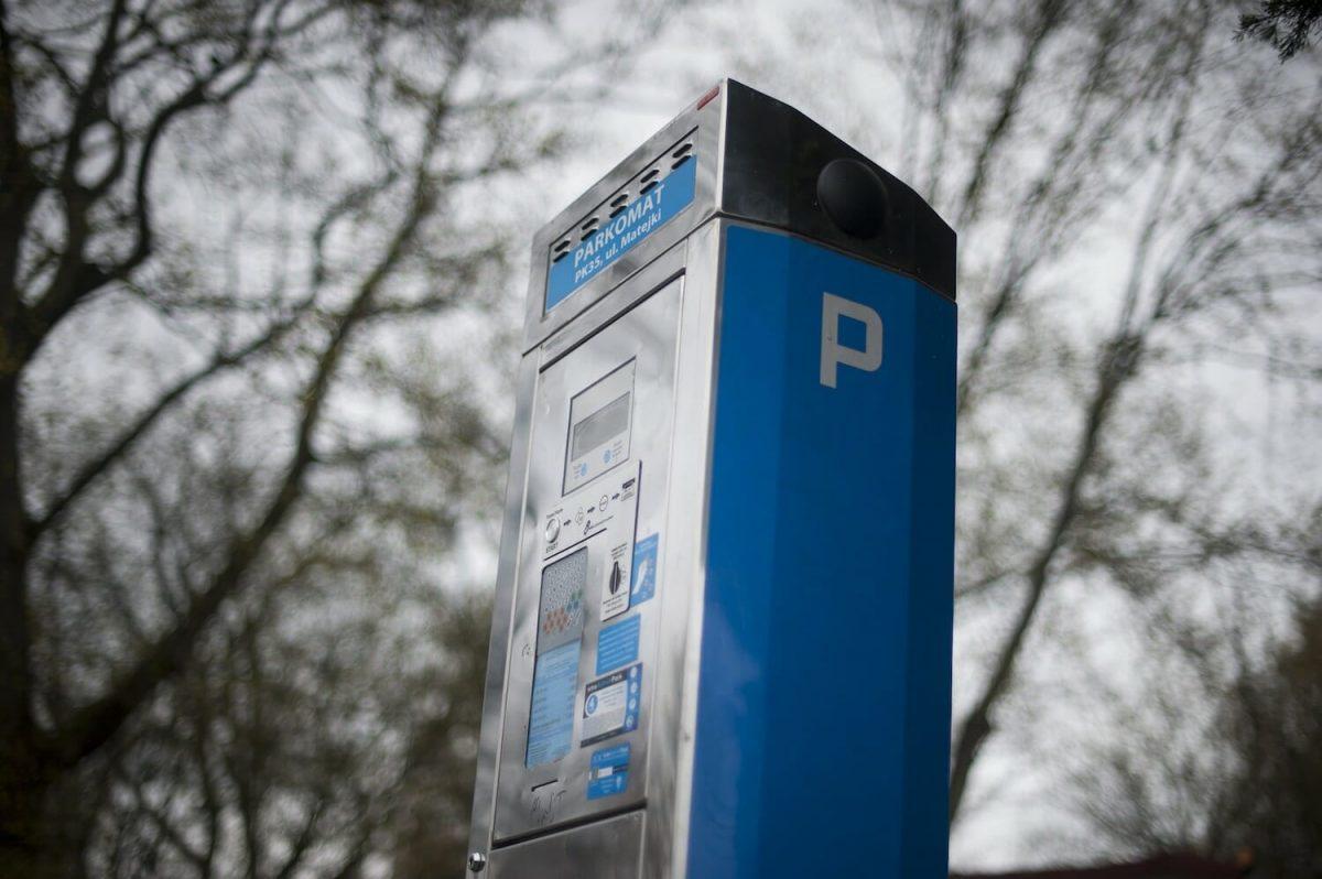 Ad Aosta parcheggi blu gratuiti per operatori sanitari e volontari